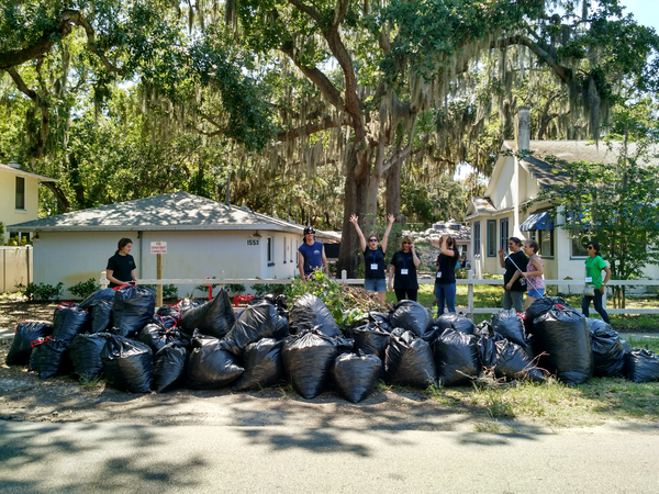 Enviromental clean up Volunteer Program
